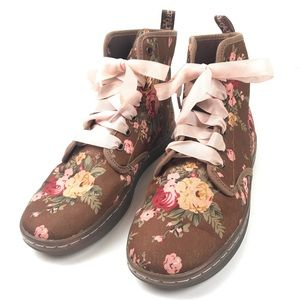 Dr.Martens Shoreditch floral canvas boots brown